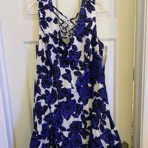 Adrianna Papell Blue and white dress size 18 NWT